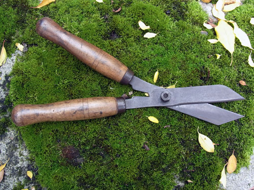 Hedging shears d for Gardening tools for sale