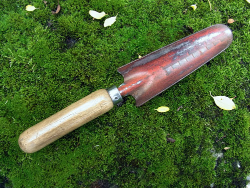 Trowel c for Gardening tools for sale