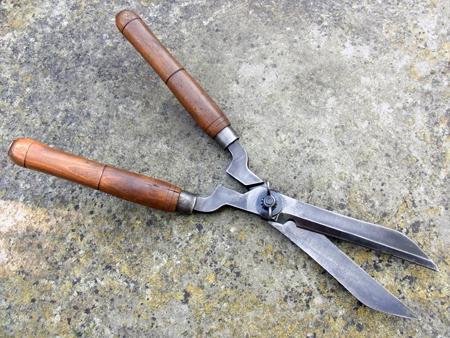 Hedging shears b for Garden shears for sale