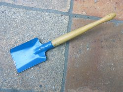 childs-shovel-b-1-jpg