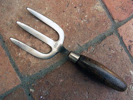hand-fork-z1-jpg
