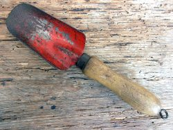 childs-trowel-a1-jpg