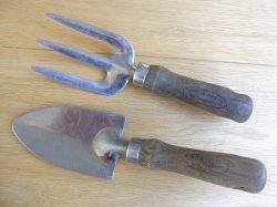 trowel-hand-fork-set-a-jpg